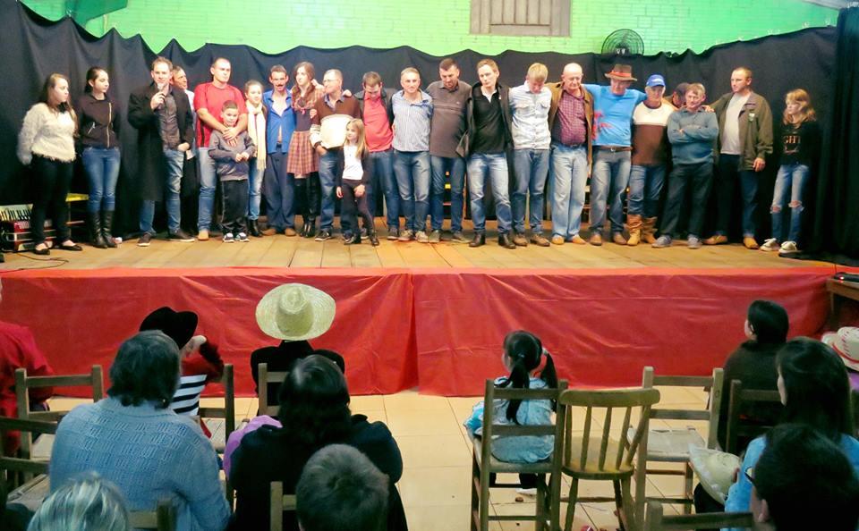 Festa Junina com Apresentações Teatrais – Linha Colorado – Lagoa dos Três Cantos/RS