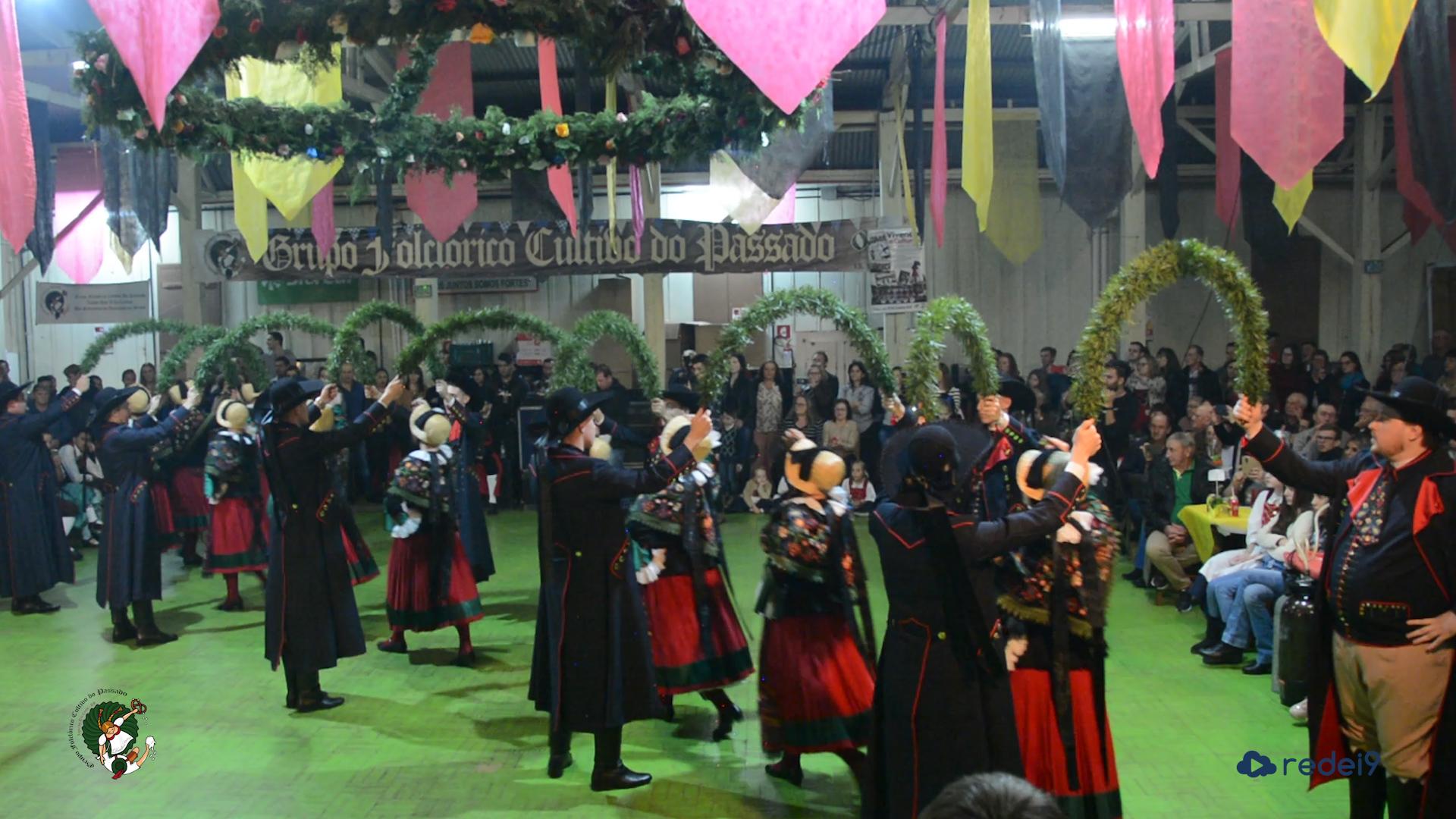 Apresentação do novo traje – Grupo Folclórico Cultivo do Passado